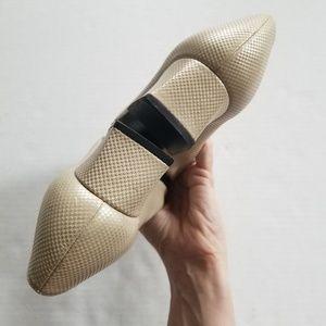 Stuart Weitzman Shoes - Stuart Weitzman Cream Metallic Textured Heel 7.5